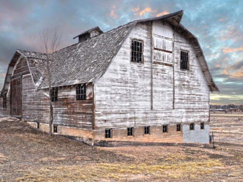 Historic Johnson Farm barn at Bucking Horse